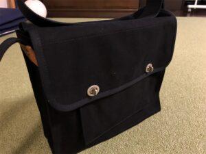 一澤信三郎帆布 のショルダーバッグ